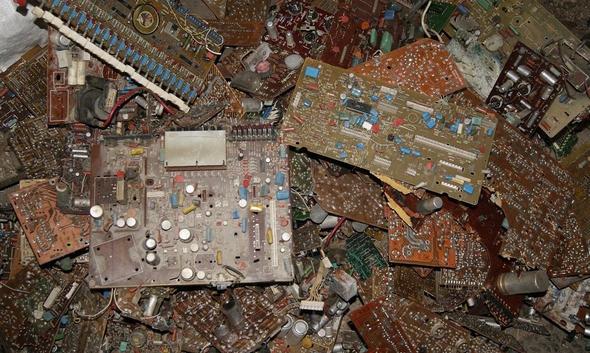 Электронный металлолом: поиски технологий переработки